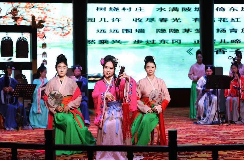 大晟樂編鐘編磬演奏  宋詞樂舞展演在開封市博物館舉行