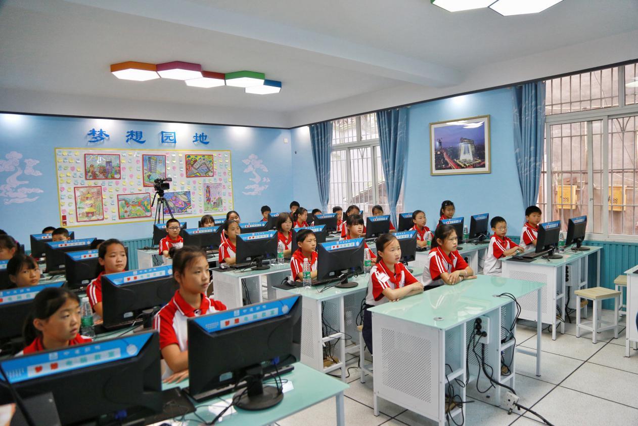 一教室一書屋成就貧困地區兒童的學習夢