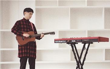 流行歌曲背後的浙商大學生