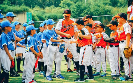 舉父棒球場:四十位父親送給孩子的成長禮物