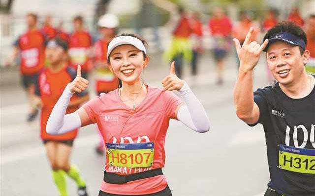 在奔跑中传递重庆山水人文之美