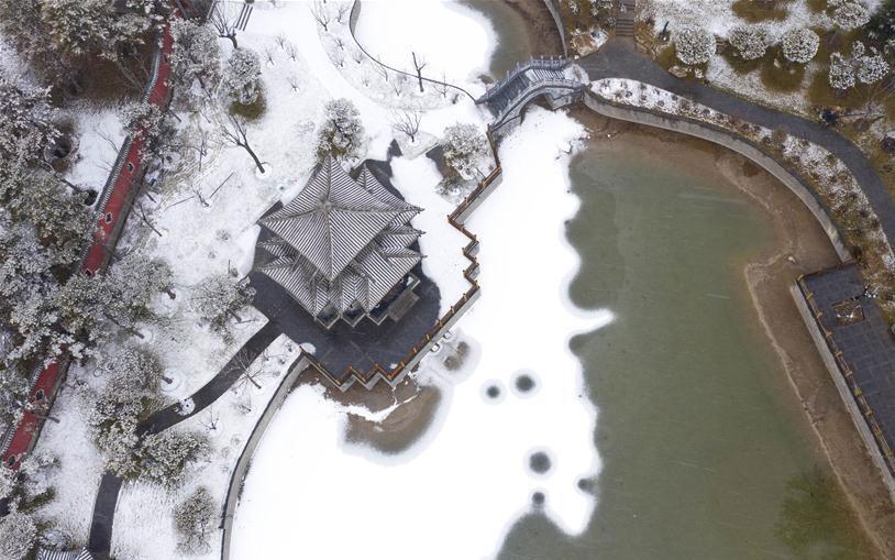 山西太原迎来降雪