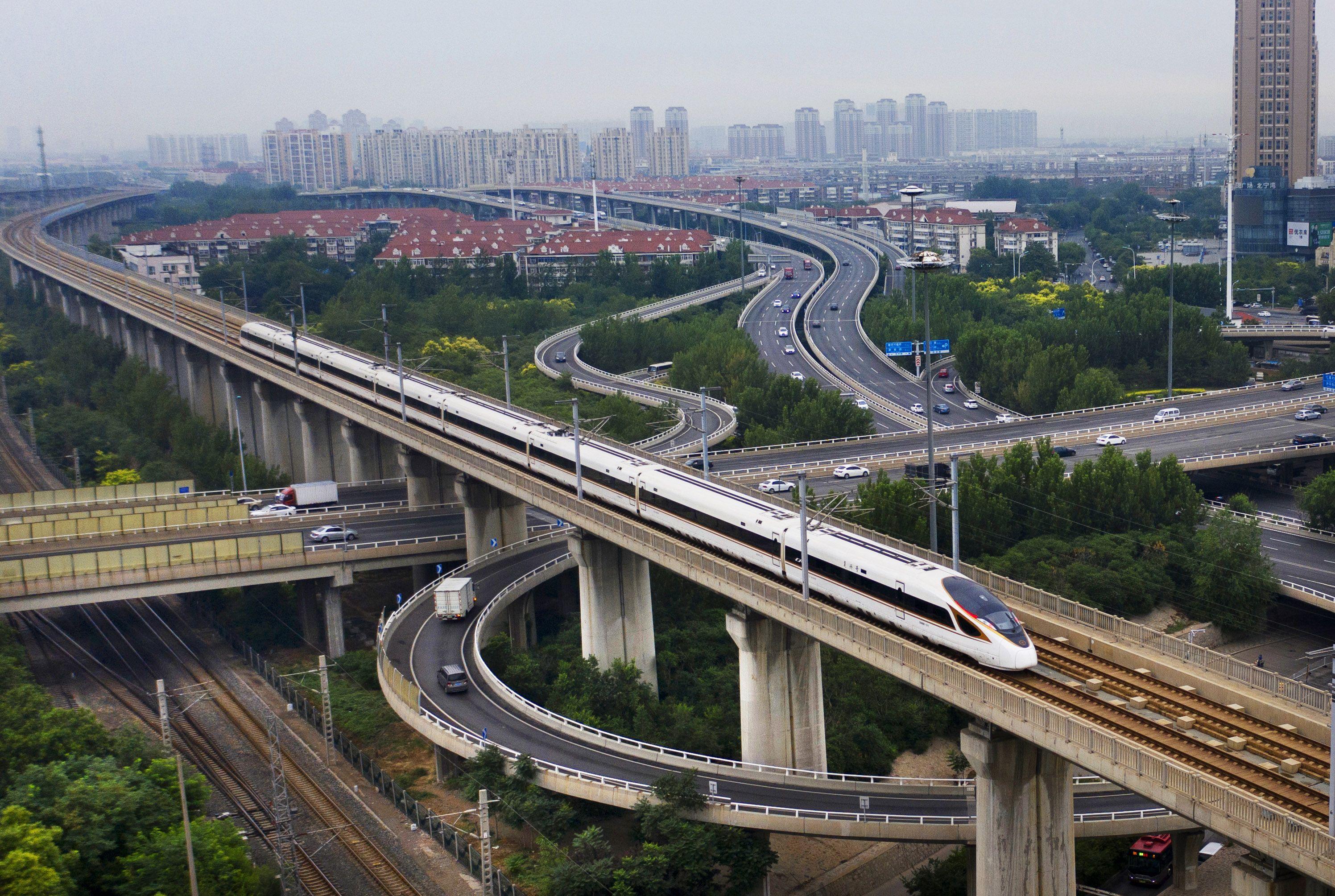 全國鐵路7月1日零時起實施新圖暑運同步開啟