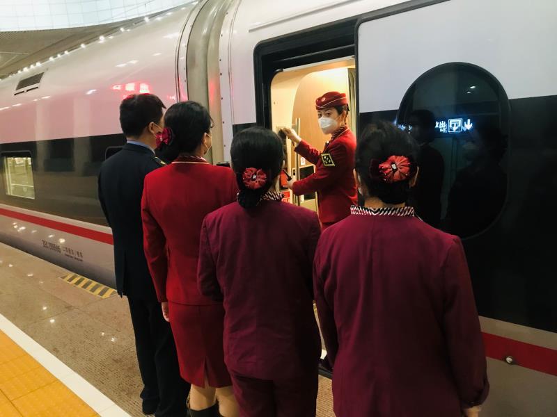 列車長郭悅:將心比心才能贏取真心