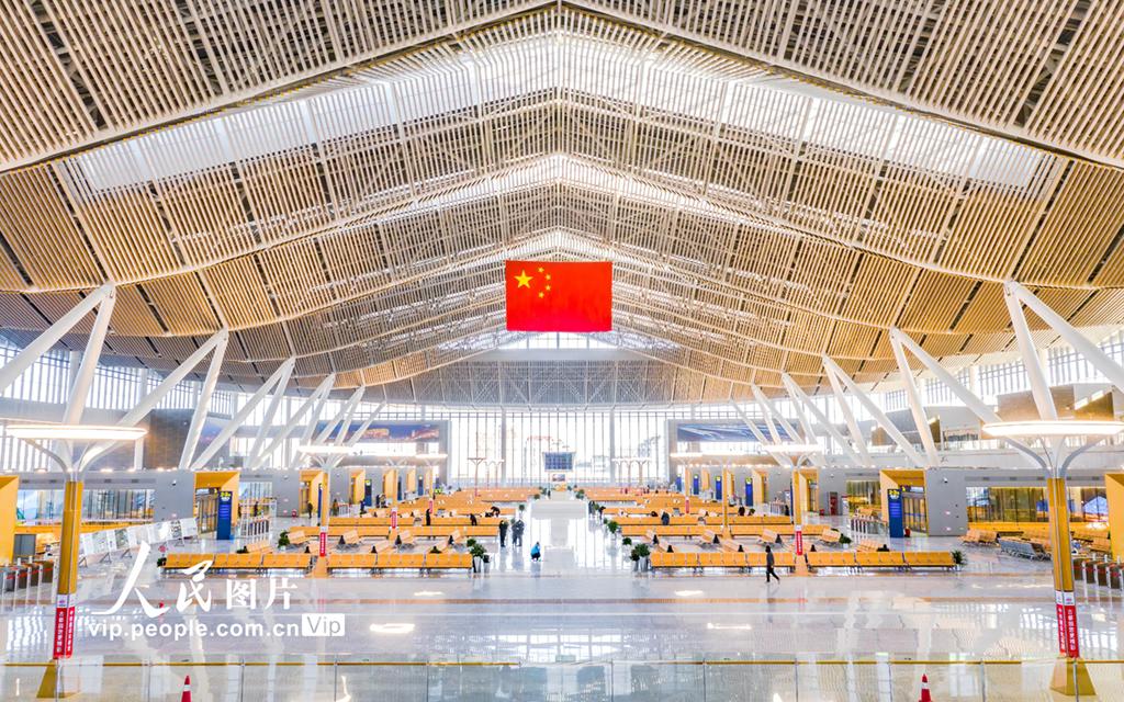 京哈高铁开通在即 北京朝阳站进行最后收尾工作