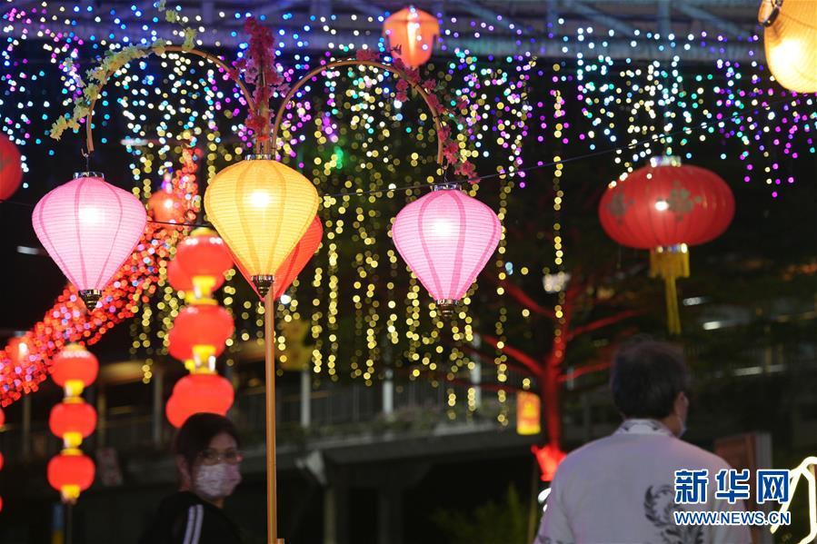 亮起農曆新年燈飾