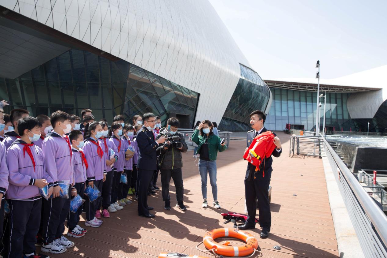 天津海事局携手气象局、海博馆开展水上安全知识科普活动