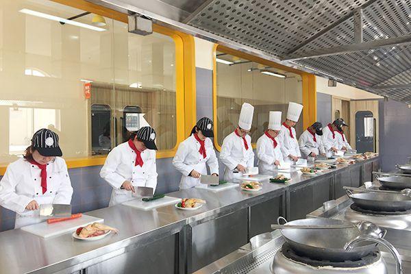 广东高标准培训厨师、技工、家政人员